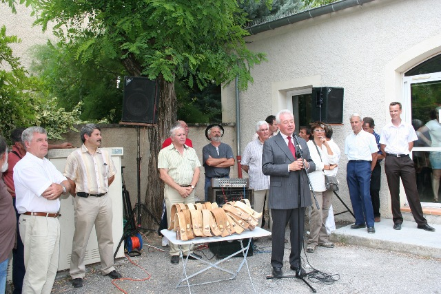 foire-aux-agenelles-a-st-vincent-sur-jabron-5.JPG