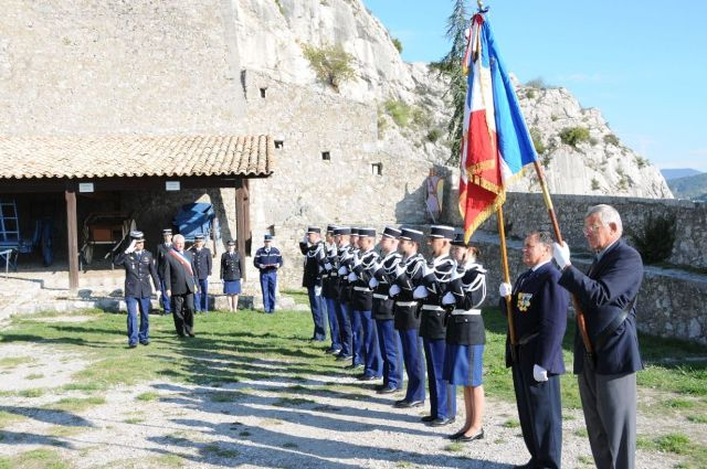 prise-darmes-capitaine-gendarmerie-002.jpg