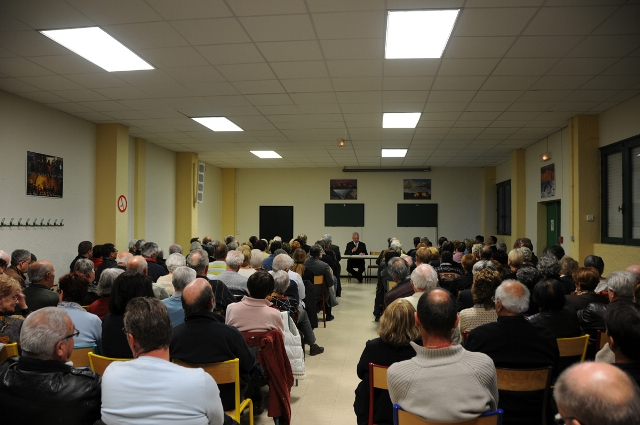 reunion-publique-10-and-de-deputation-a-sisteron-010.JPG
