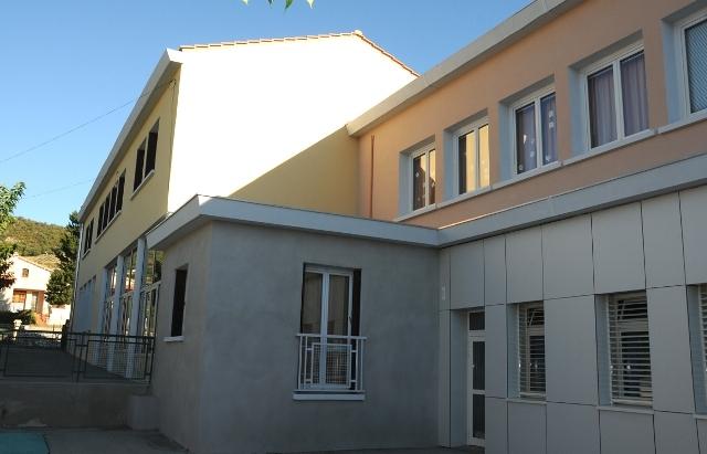 facade-ecole-du-thor-apres-travaux-002.jpg