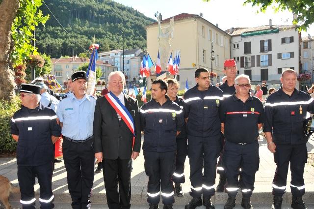 ceremonie-sapeus-pompiers-14-juillet-58.jpg