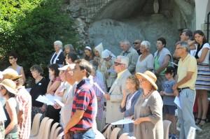 Cérémonie religieuse à Saint Geniez (22)