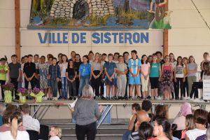Spectacle Chant 6èmes Collège (9)