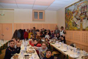 Repas Noël Restaurant scolaire (4)