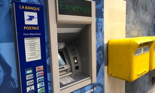 Distributeur Banque Postale